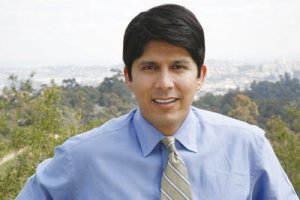 California State Senator Kevin de Leon, who sponsored the state's affirmative consent bill
