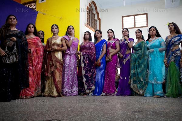 Indian hijras (Deviant Didg/Nikki Rixon)