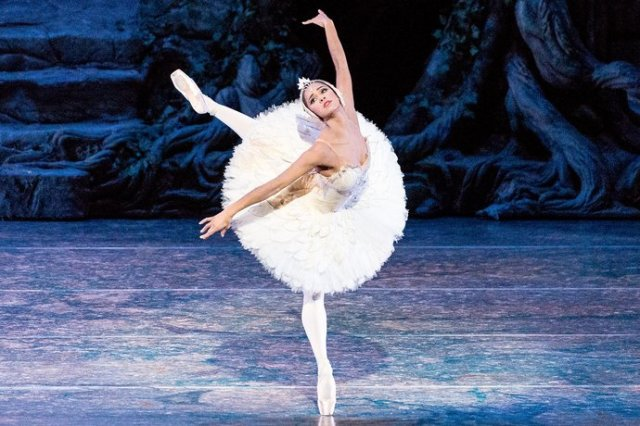 Misty Copeland in 'Swan Lake' (Vanity Fair)