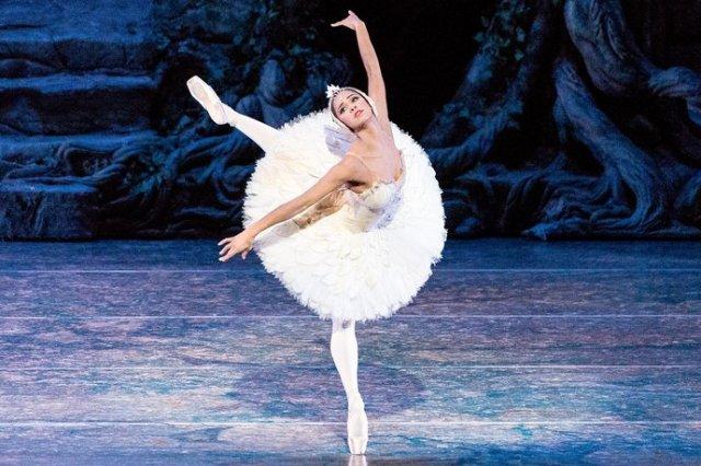 Misty Copeland in 'Swan Lake' (Vanity Fair)
