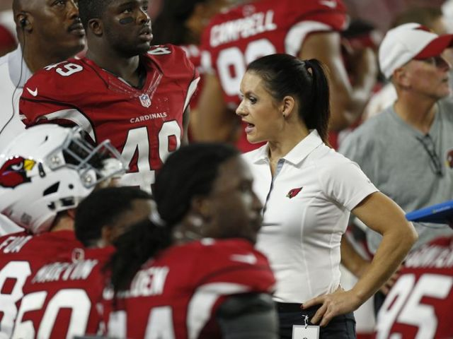 Jen Welter coaching the Arizona Cardinals (AZ Central)