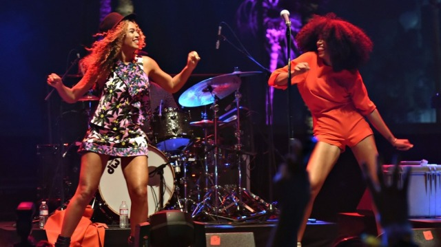 Beyonce and Solange at Coachella, 2014 (Global Music Tribune)