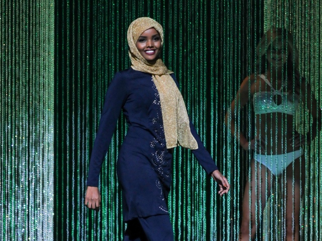 Halima Aden's burkini in the Miss Minnesota USA pageant, 2016 (WFDD).jpg