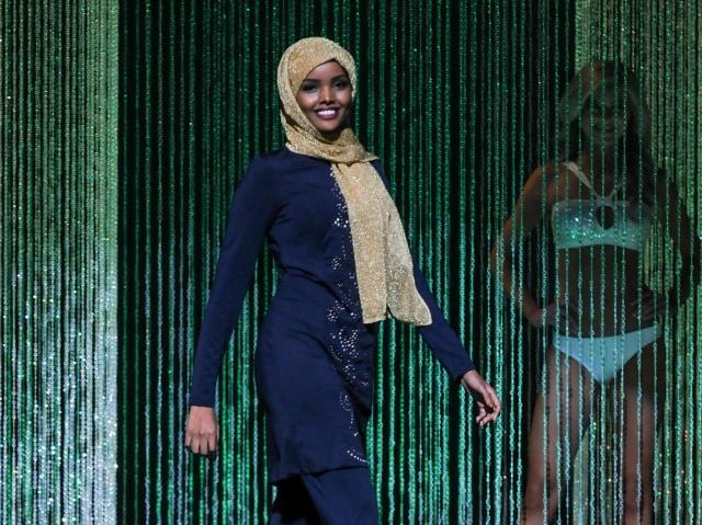 Halima Aden's burkini in the Miss Minnesota USA pageant, 2016 (WFDD).jpg