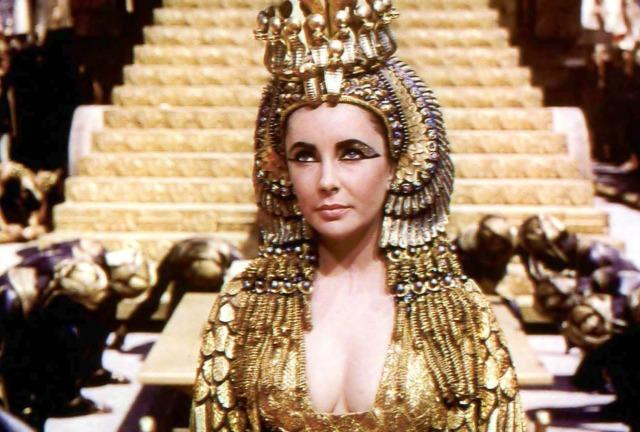 Elizabeth Taylor in 'Cleopatra,' 1963 (Eclipse Magazine)